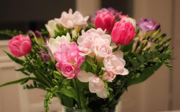 So bleiben eure Blumensträuße länger frisch!