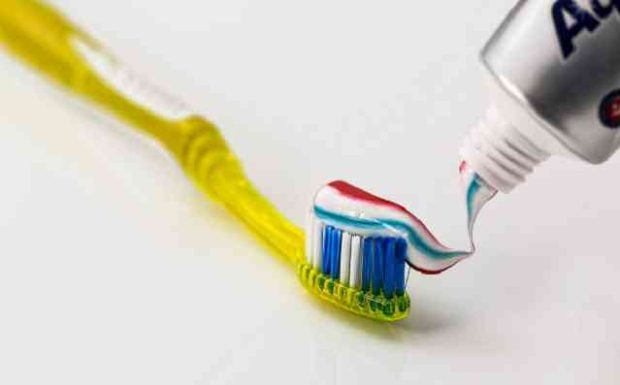 10 Tipps, wofür Sie Zahnpasta noch verwenden können!