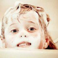 Die häufigsten Fehler beim Haare waschen! So geht's richtig!