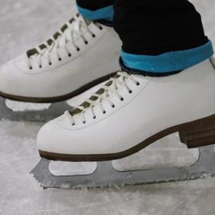 Rauf auf's Eis – die besten Tipps zum Eislaufen! Der Einstieg ins Schlittschuhlaufen!