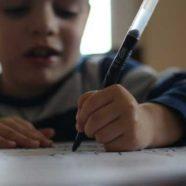 Euer Kind ist Linkshänder? Das ist zu beachten! Tipps für Linkshänder!