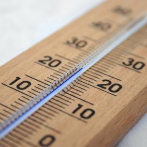 So bleibt eure Wohnung trotz Hitze kühl! Diese Tipps helfen wirklich!