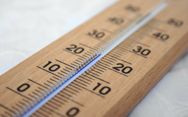 So bleibt eure Wohnung trotz Hitze kühl!