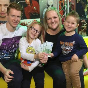 Christiane Schwentner gewinnt 400 Euro in BAR!