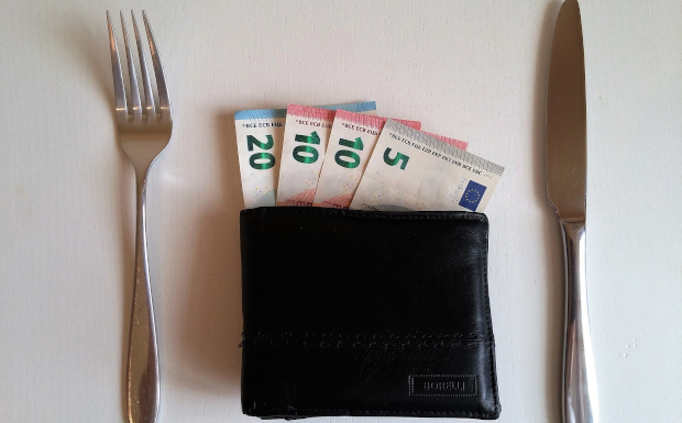 Trinkgeld im Urlaub – so macht ihr es richtig!
