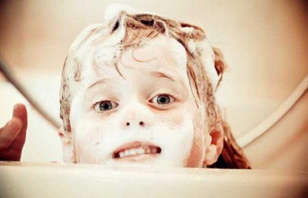 Die häufigsten Fehler beim Haare waschen!