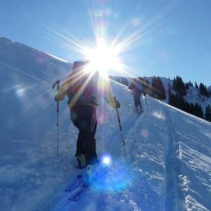 10 wichtige Tipps für Tourengeher! So kommt Ihr sicher durch den Schnee!