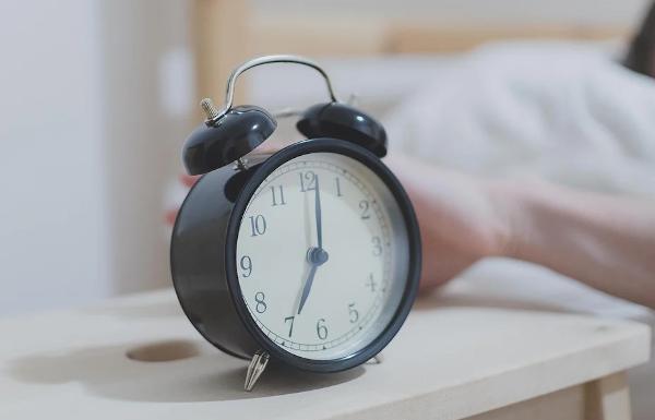 Rettung für Morgenmuffel: Mit diesen Apps kommt ihr morgens garantiert aus dem Bett!